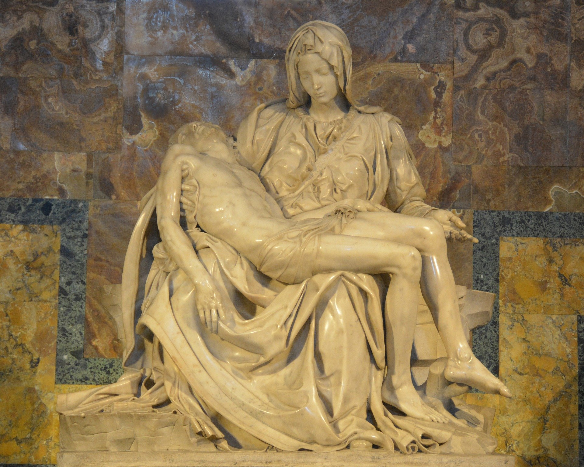 Michelangelo's Pietà in St Peter's Rome Photo: twstringer on Pixabay