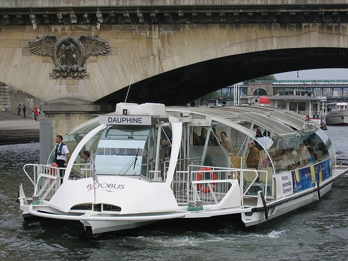River sightseeing in Paris on the Batobus by HelloParis