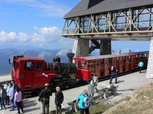 Schafbergbahn train above Wolfgangsee