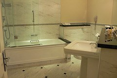 Bathroom at Ettington Park Hotel near Stratford upon Avon Photo: Heatheronhertravels