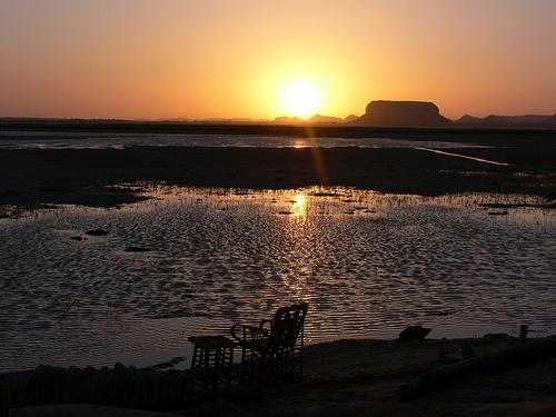 Sunset at Fatnas island in Siwa in Egypt Photo: Heatheronhertravels