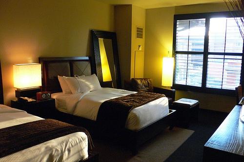 Queen double bedroom in Hotel Valencia Riverwalk, San Antonio Photo: Heatheronhertravels.com