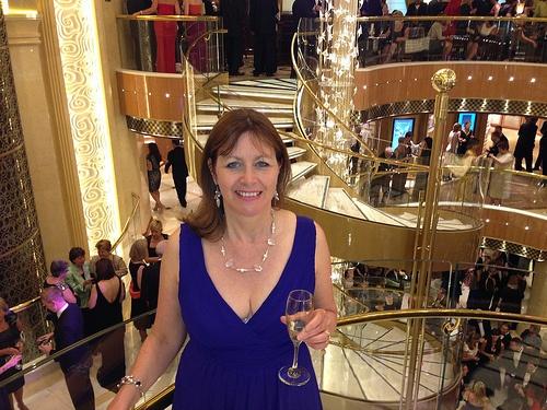 Enjoying a glass of champagne in the Atrium Photo: Heatheronhertravels.com