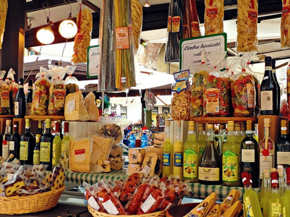 Italian Foods at Piazza delle Erbe Photo: Needanotherholiday.com
