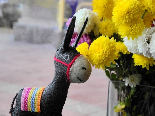 Handmade felt toy Donkey Photo: Globein.com