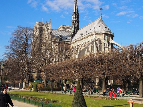 Notre-Dame de Paris seen from the square Jean XXIII Photo: Heatheronhertravels.com