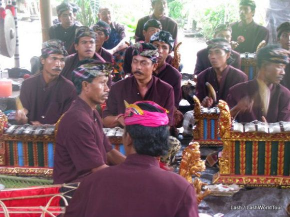 Gamelan troupe perform at a funeral ceremony Photo: LashWorldTour