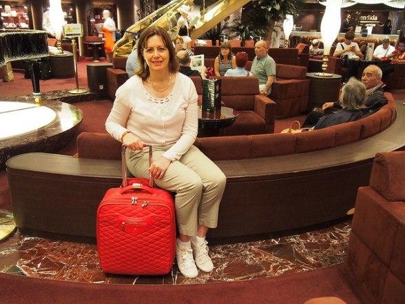 Ready to disembark MSC Splendida with my Knomo case