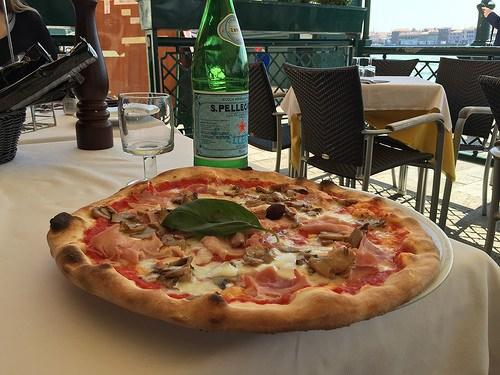 Pizza in Venice Photo: Heatheronhertravels.com