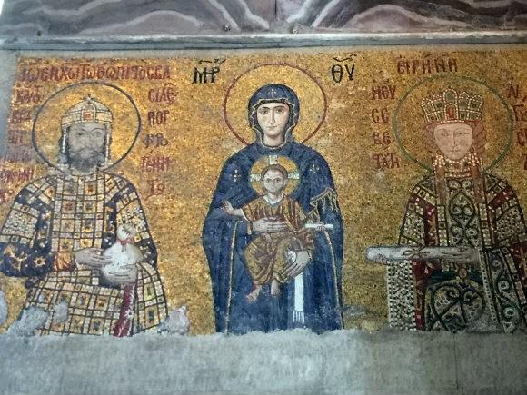 Mosaics inside Hagia Sophie, Istanbul Photo: Heatheronhertravels.com