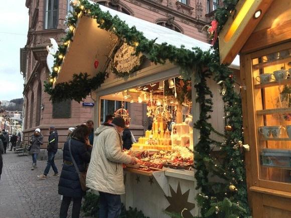 Christmas Market in Heidelberg Universityplatz Photo: Heatheronhertravels.com