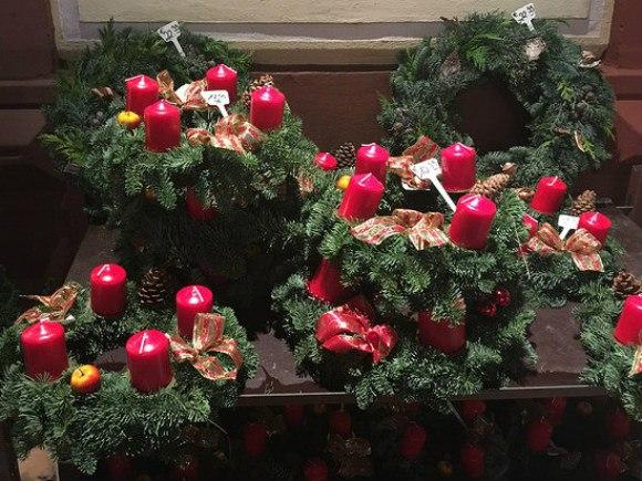 Christmas wreaths in Heidelberg Photo: Heatheronhertravels.com