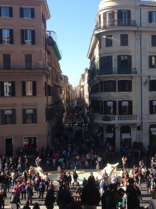 Spanish Steps, crowded with people Heatheronhertravels.com