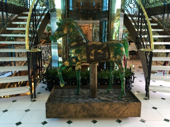 Murano glass horse on SS Catherine Photo: Heatheronhertravels.com