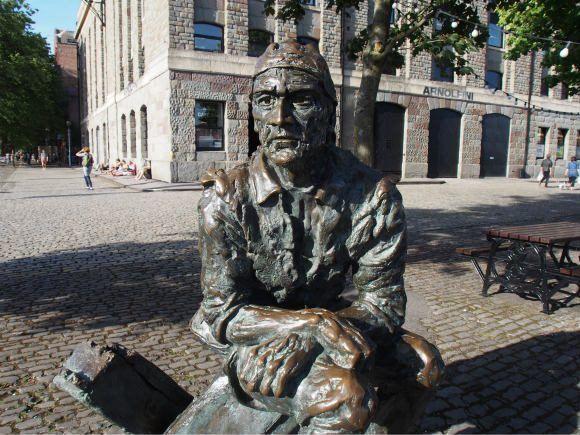 John Cabot statue in Bristol