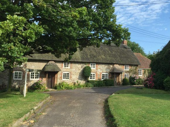 Thatched cottage in Dorset Photo: Heatheronhertravels.com
