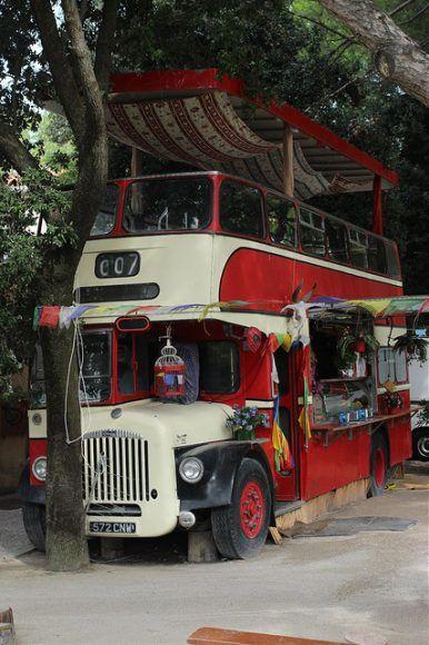Cafe bus on Venice Lido Photo by Gordon Baxter