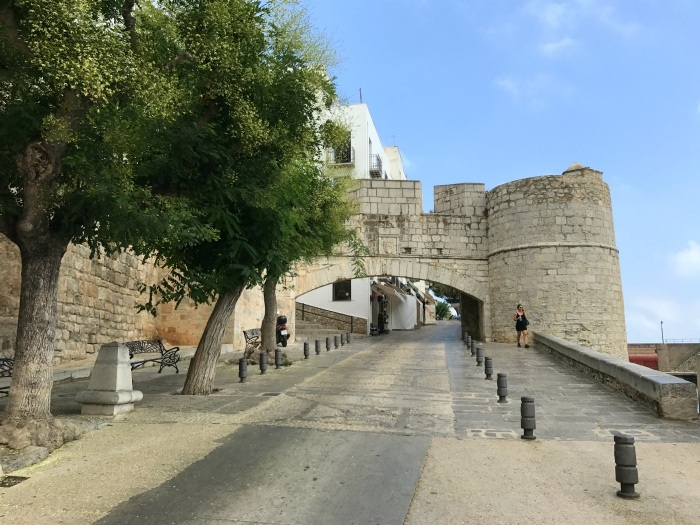 Gates of the old town Peniscola - Castellón, Spain Photo: Heatheronhertravels.com