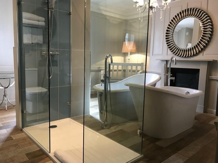 Vanbrugh House Hotel Bathroom photo Heatheronhertravels.com