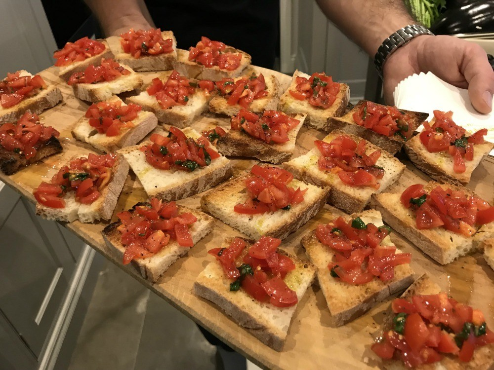 Tuscany food - Bruschetta at the Turcany cookery workshop Bookingforyou