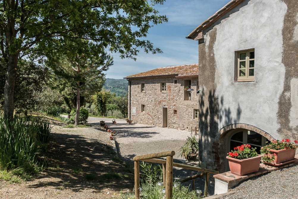 Italian Villa holidays - Villa La Capanne in Tuscany with Bookings for you
