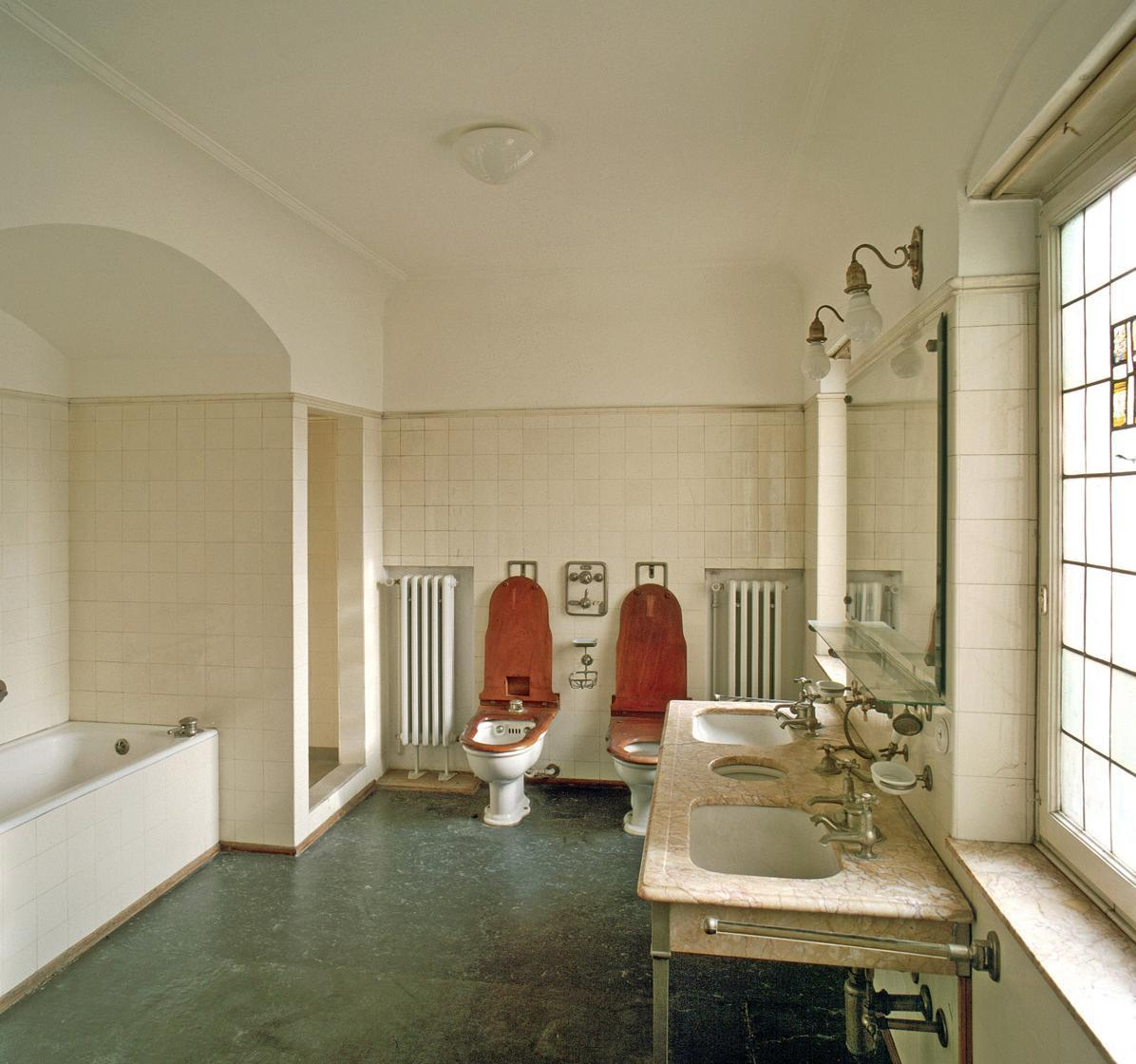 The Queens bathroom at Bebenhausen