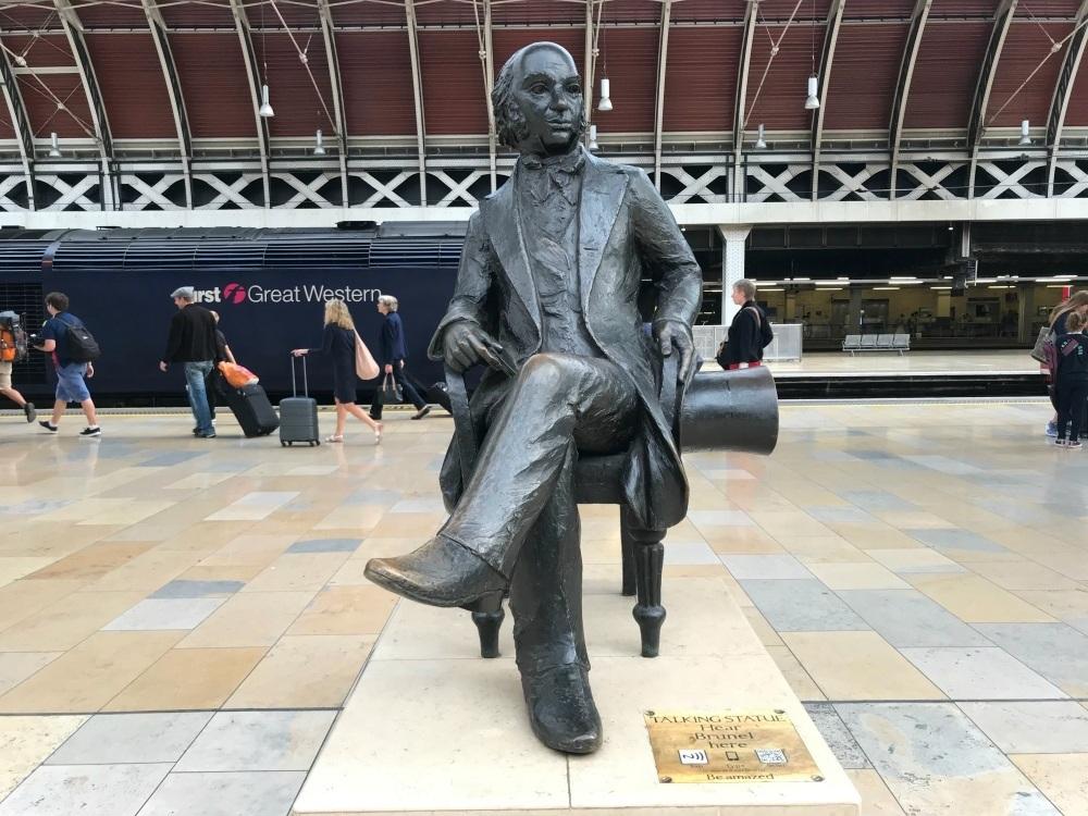 Isambard Kingdom Brunel Statue at Paddington Station Photo Heatheronhertravels.com