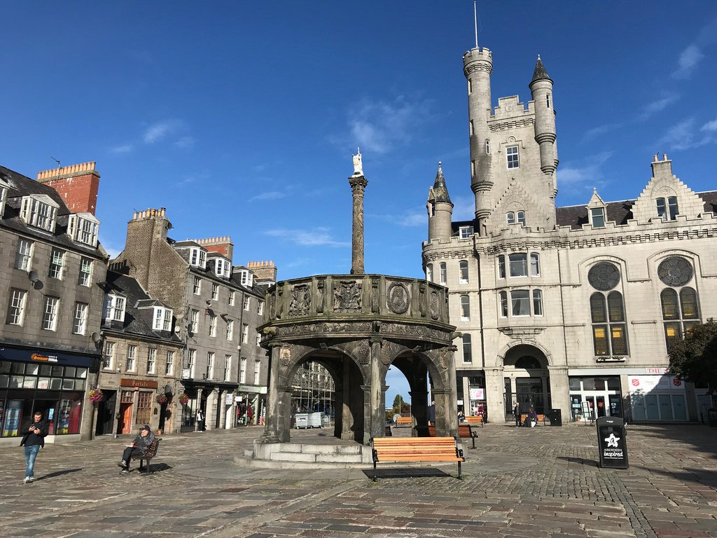 Mercat Cross Castle Square Aberdeen - things to do in Aberdeen with FlyBmi