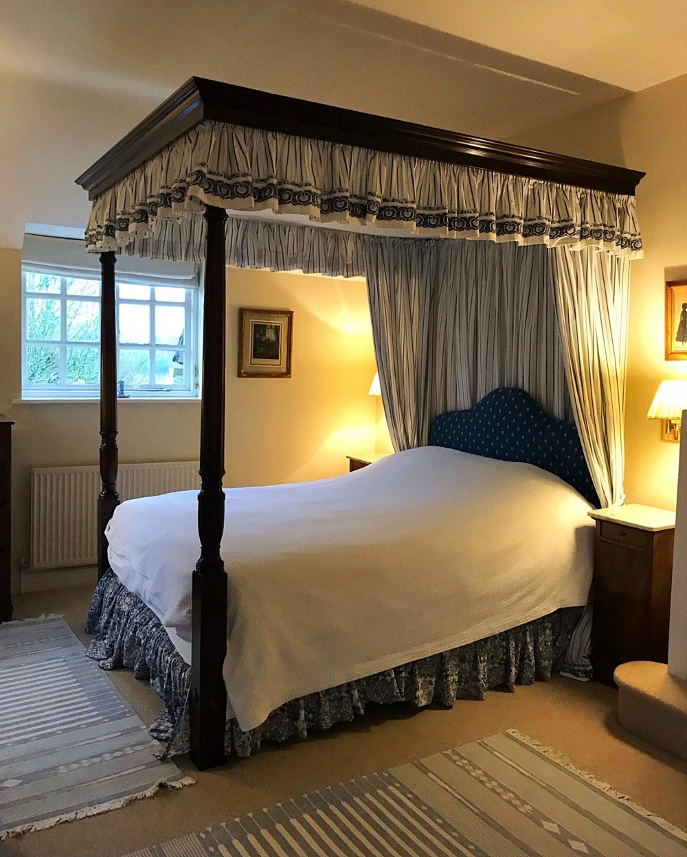 The four poster in our bedroom in Sandown - Bruern Cottages - Photo Heatheronhertravels.com