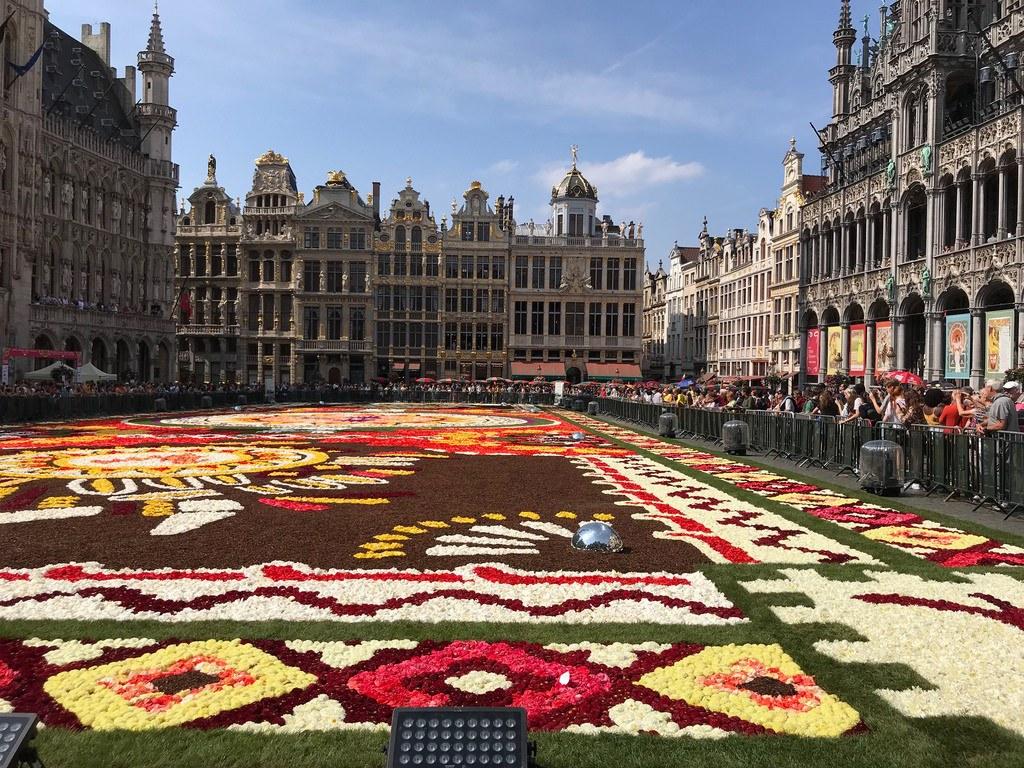 Flower carpet in Brussels Photo Heatheronhertravels.com