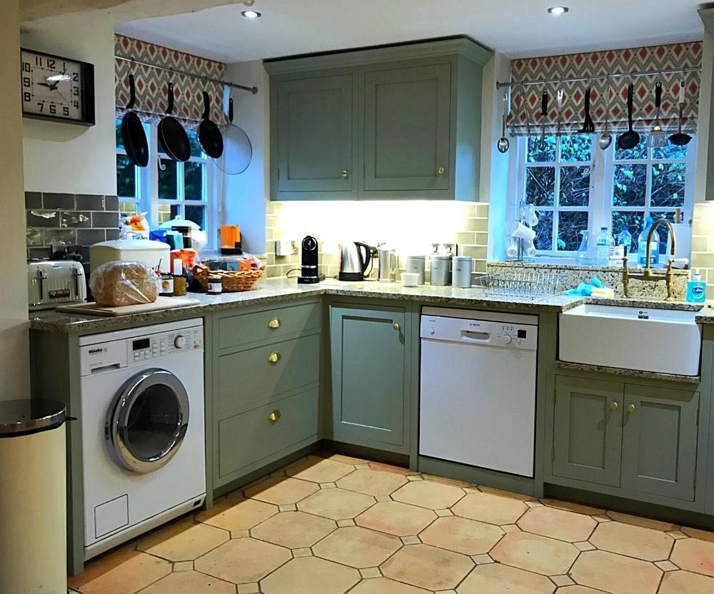 Kitchen Aintree in Bruern Cottages - Photo Heatheronhertravels.com