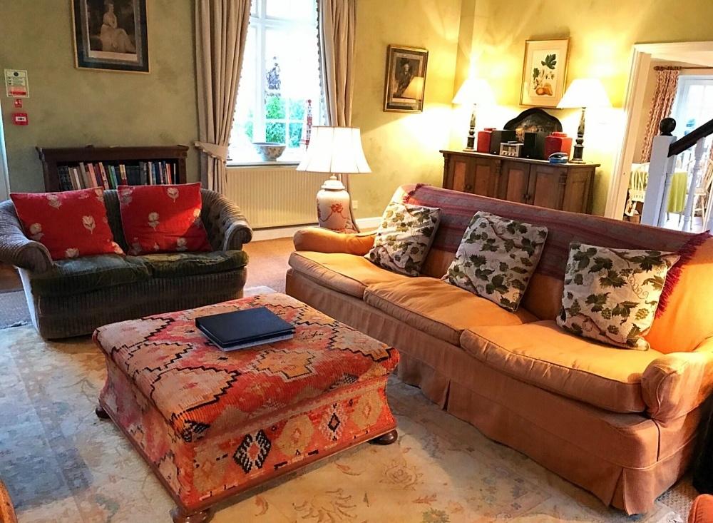 Living room at Aintree - Bruern Cottages - Photo Heatheronhertravels.com