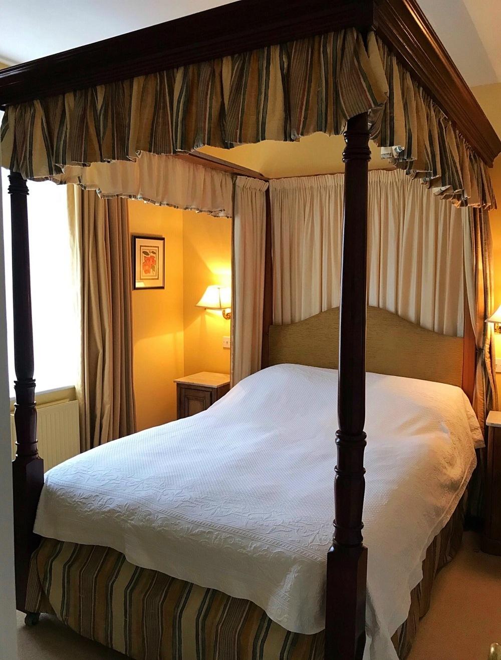 Master Bedroom Sandown - Bruern Cottages - Photo Heatheronhertravels.com