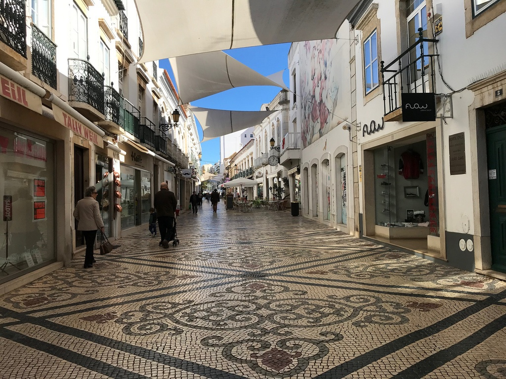 Places to visit in Faro - Shopping in Faro