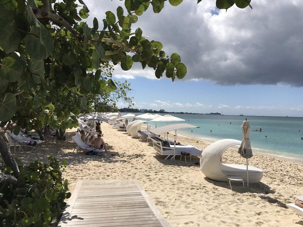 Best beaches in Cayman Islands - Seven Mile Beach at Kimpton Seafire Resort