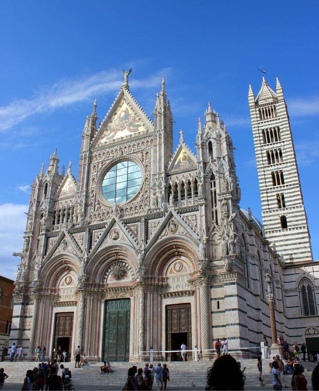 Siena Duomo in Italy Photo iessephoto on Pixabay