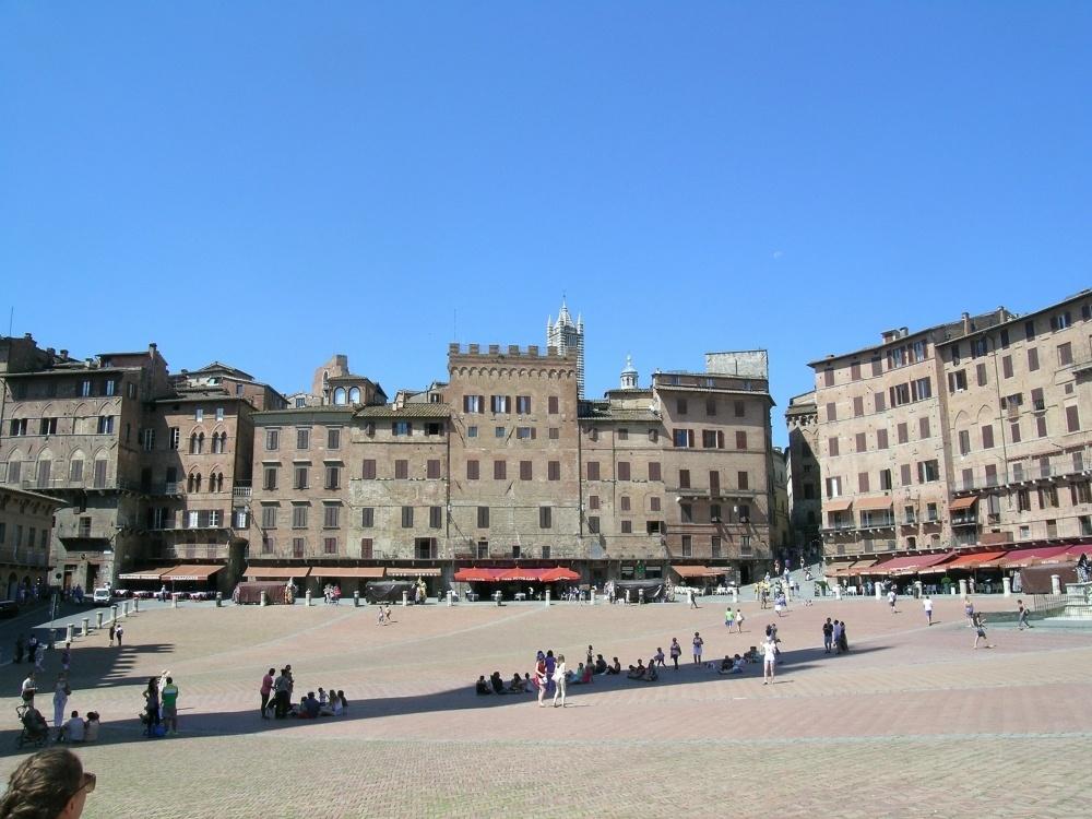 Siena Piazza Italy Photo sferrario1968 on Pixabay