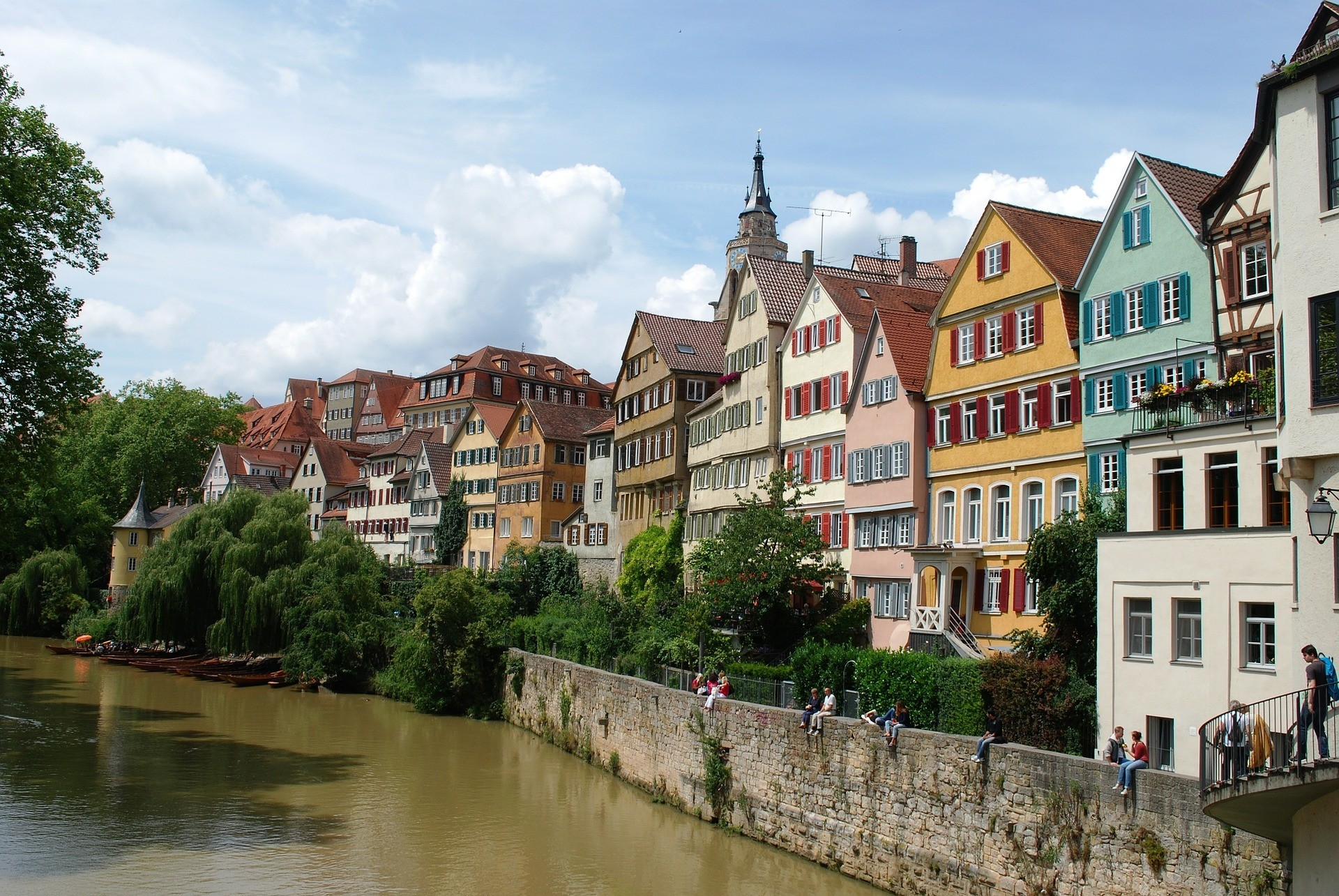 River Neckar in Tübingen, Germany Photto Gaertringen on Pixabay