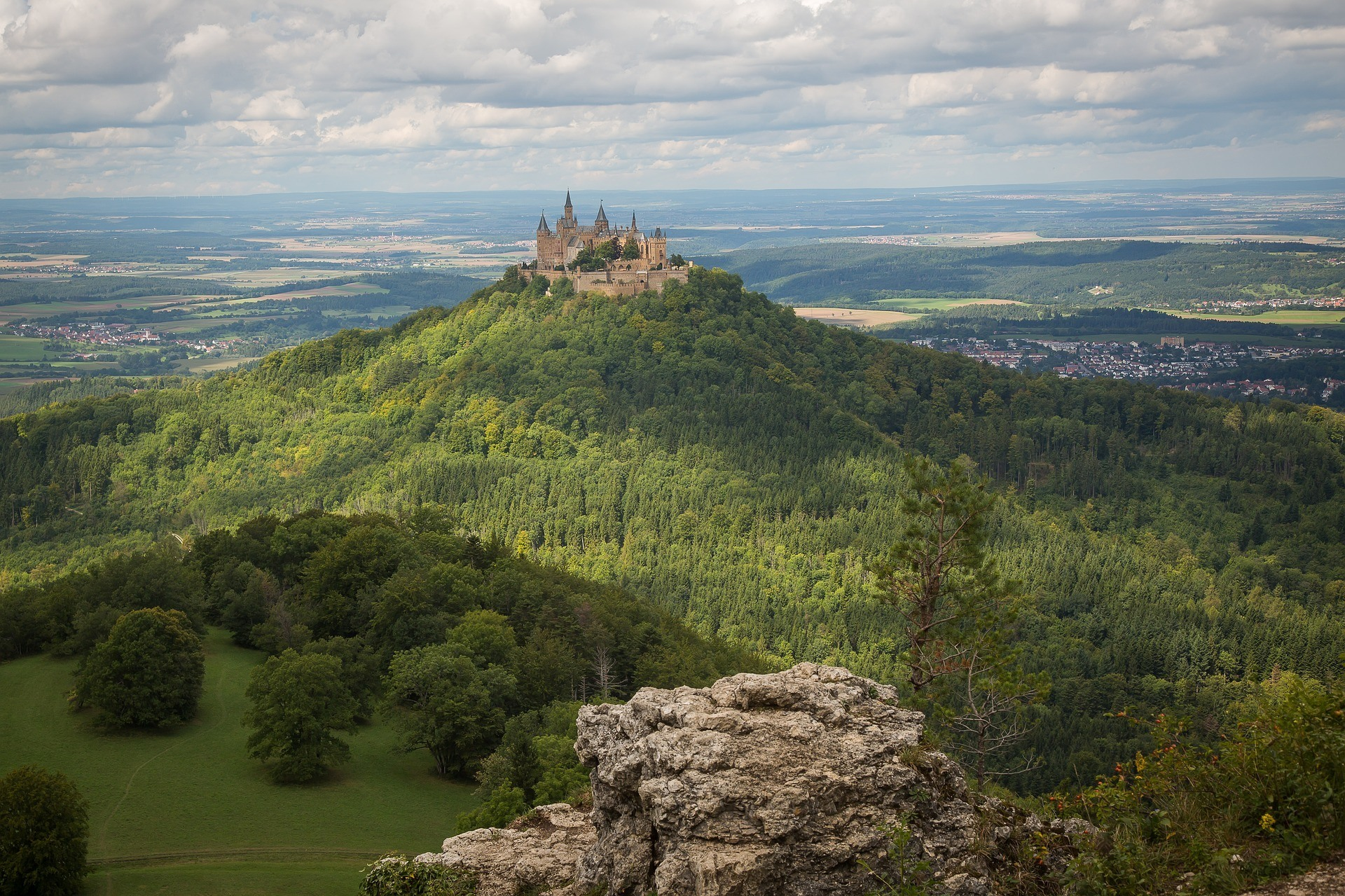 Hohenzollern Castle in Germany Photo Maxmann on Pixabay