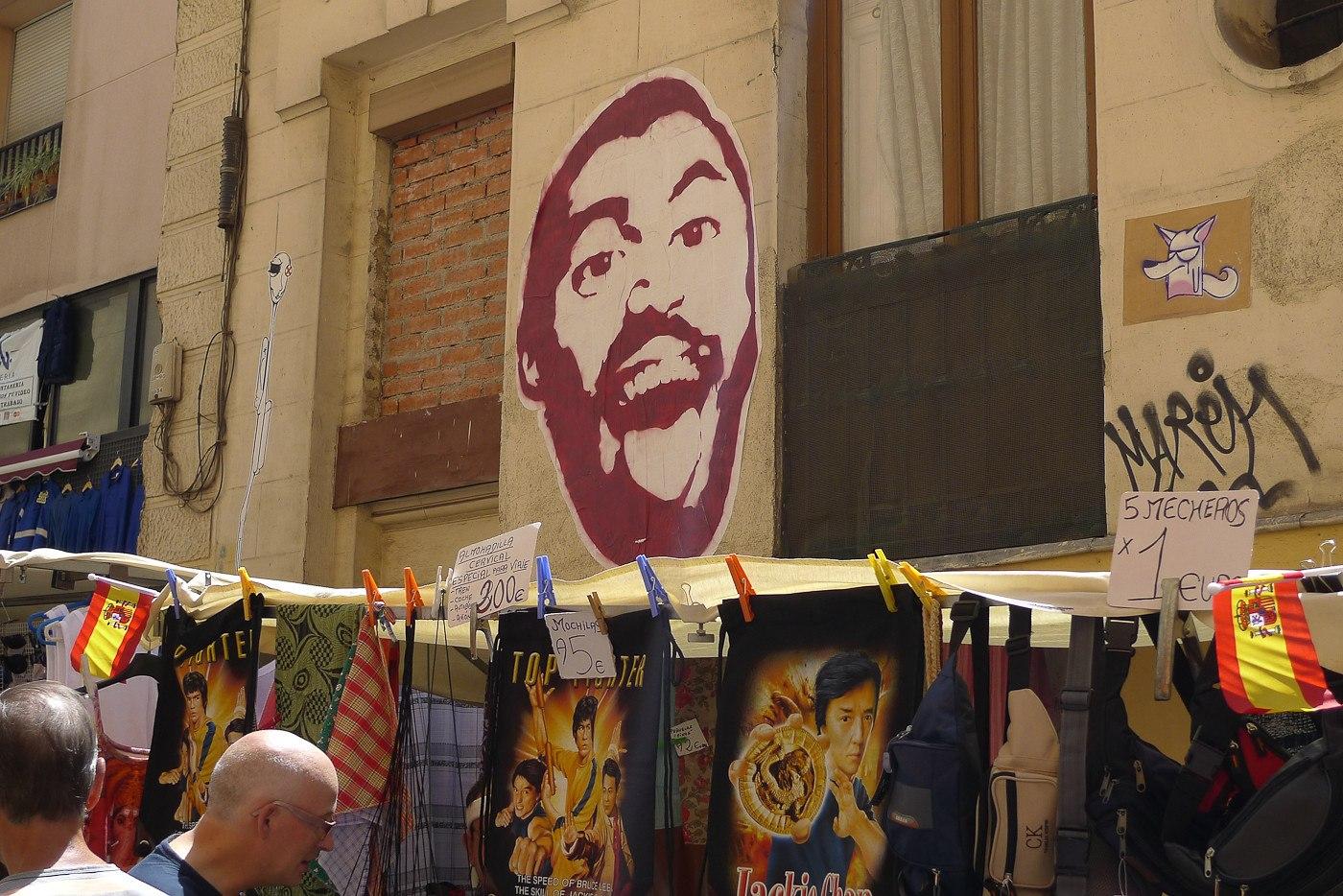 El Rastro flea market in Madrid by r2hox