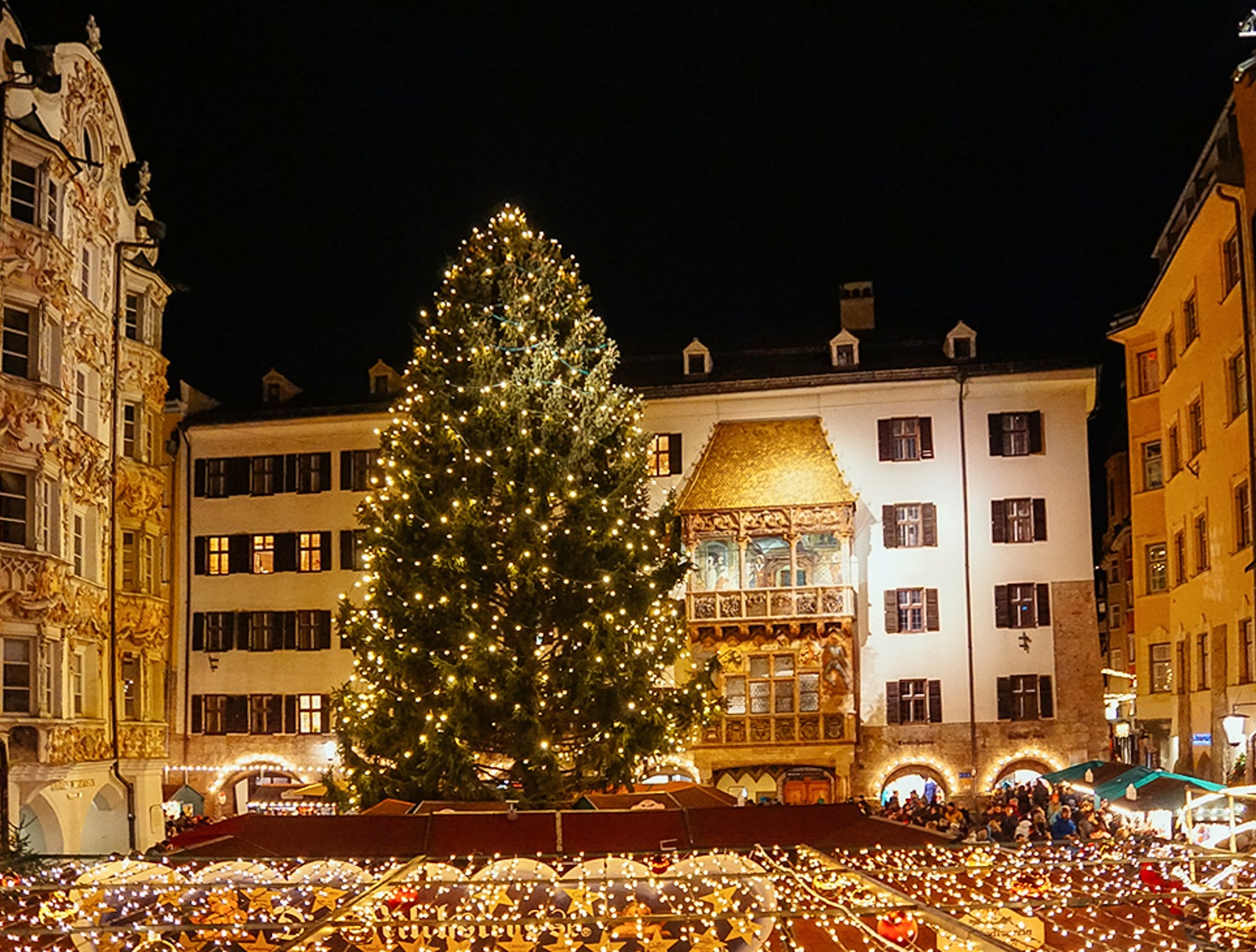 Christmas market in Nuremberg Photo: Annees de Pelerinage