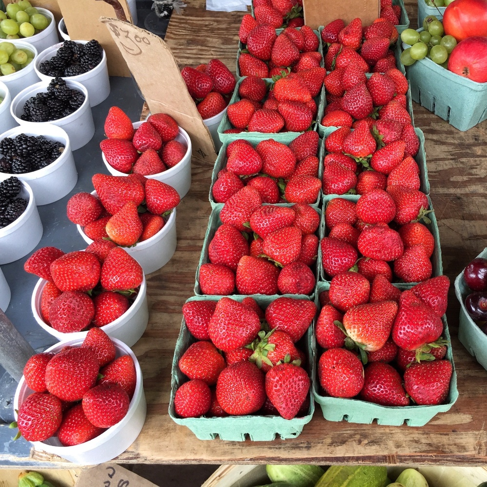Kingston Farmers Market in Ontario, Canada - Photo: Heatheronhertravels.com