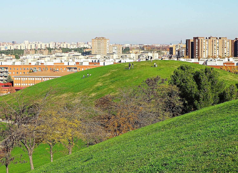 Parque de las Siete Tetas in Madrid by Jose A