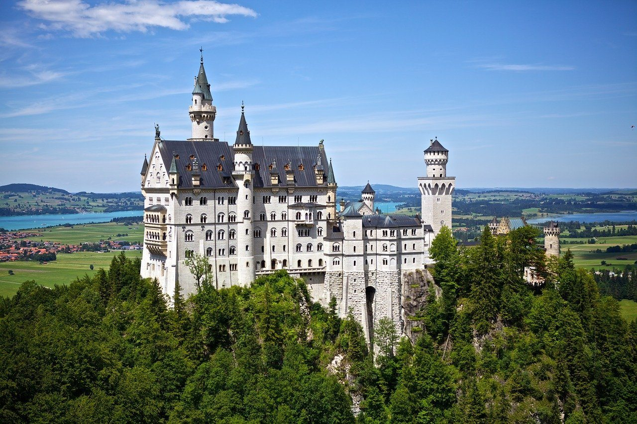 Neuschwanstein Castle in Germany Photo Derwiki on Pixabay