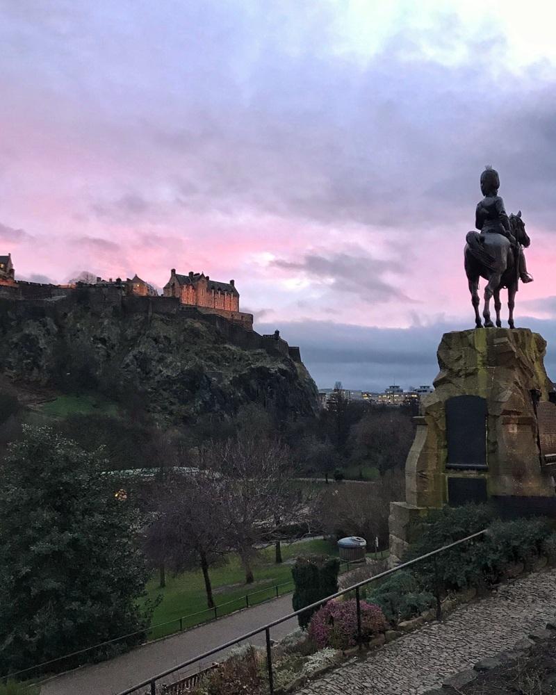 Edinburgh Castle Photo Heatheronhertravels.com
