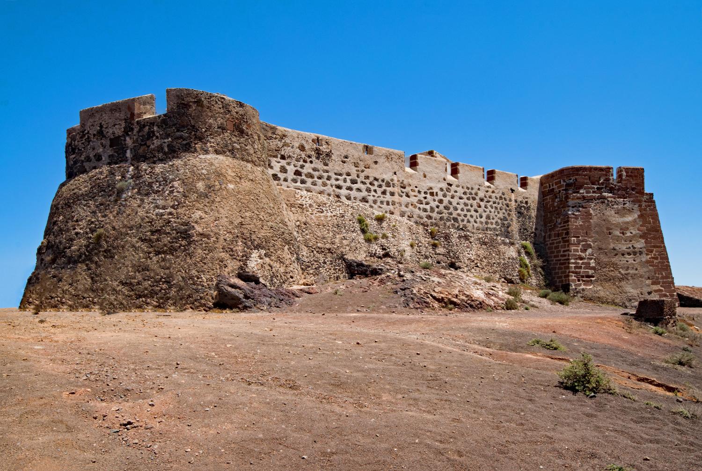 Castillo de Santa Barbara in Lanzarote Photo Lapping on Pixabay