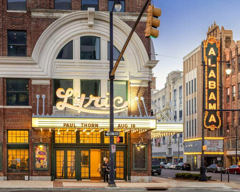 Lyric Theater and Alabama Theater in Birmingham, Alabama © Alabama Tourism Department / Art Meripol